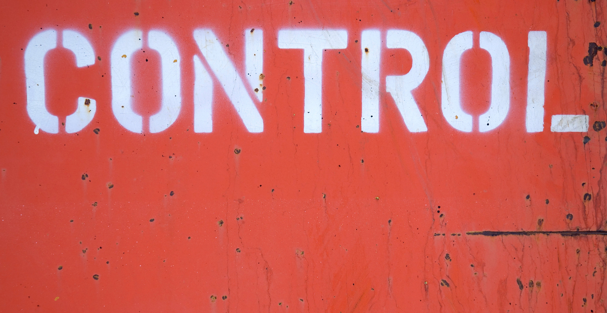Controlling Behaviors and 6 Reasons Why it Can Show Up | Stalkernotes